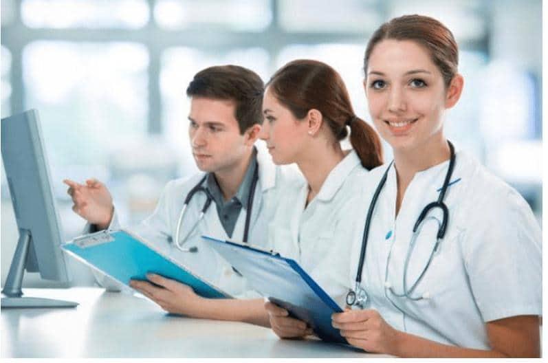Universidades en donde estudiar medicina interna en México