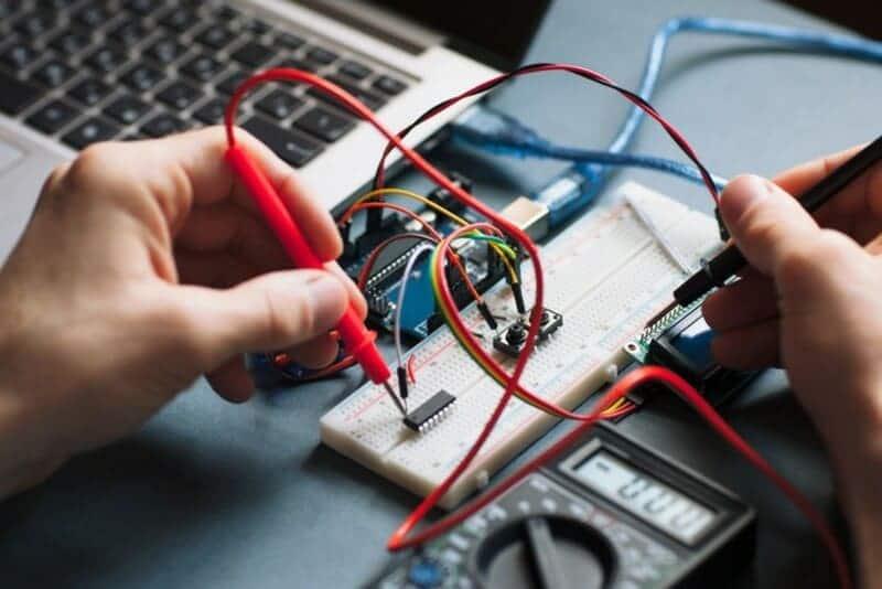 Dónde estudiar ingeniería electrónica en Perú